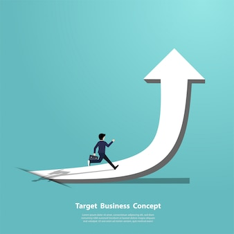 Empresário correndo na seta apontando para o sucesso