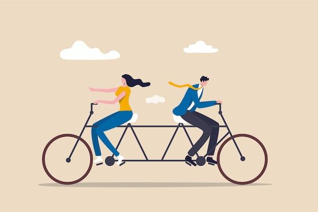 Empresário e empresária colegas ou equipe de trabalho tentando duramente andar de bicicleta na direção oposta.