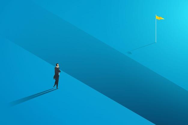 Empresário em frente à lacuna olhando para o negócio de obstáculos alvo