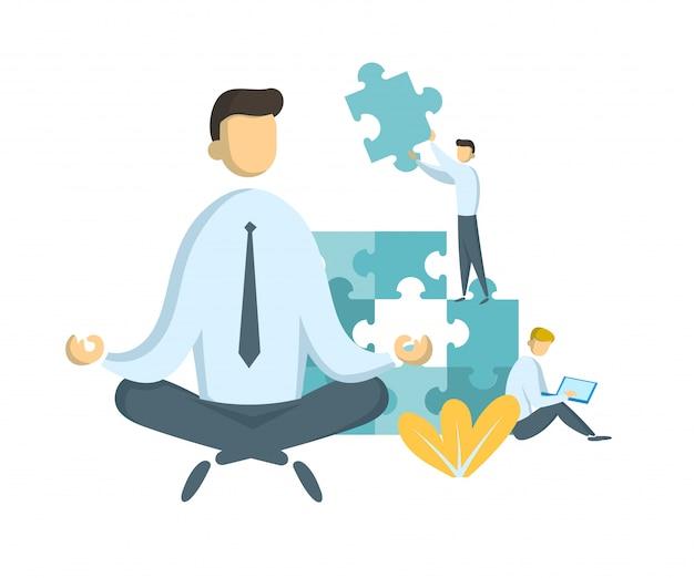 Empresário em pose de lótus assistindo peças de quebra-cabeça, sendo montadas. trabalho em equipe e liderança. líder e gerenciamento de estresse. parceria e colaboração.