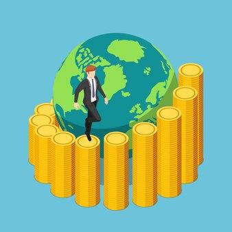 Empresário isométrico 3d plano subindo uma escada de moedas em espiral ao redor do mundo até o topo. investimento global e conceito de crescimento econômico mundial.