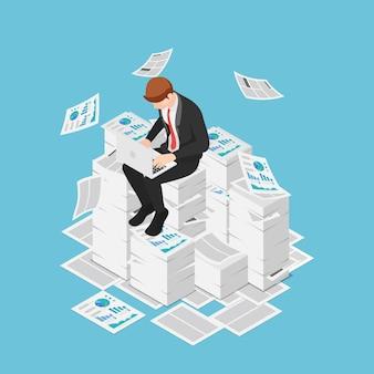 Empresário isométrico 3d plano trabalhando com laptop nas pilhas de papéis e documentos