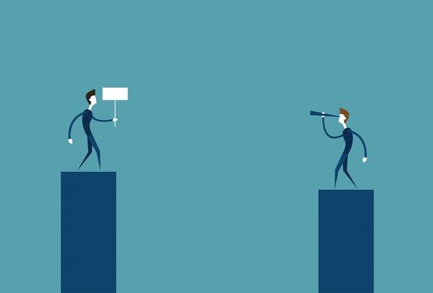 Empresário líder olhando através de binóculo no negócio bem sucedido homem segurando bandeira conceito de concorrência