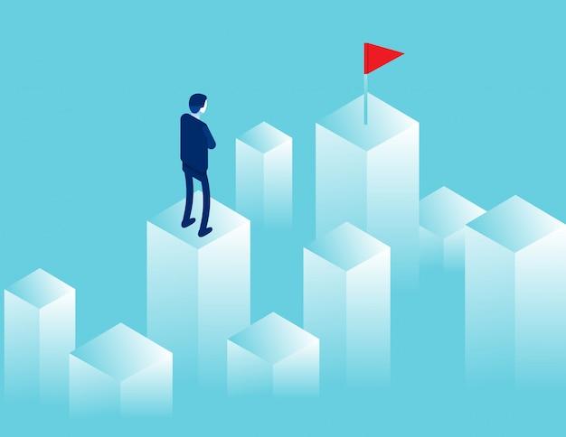 Empresário, olhando para a distância, onde há uma bandeira vermelha. objetivo de caminho