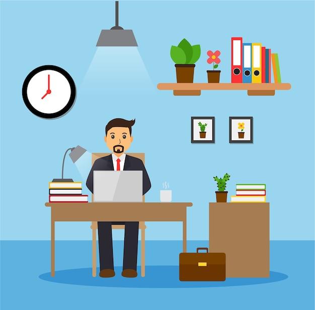 Empresário ou um funcionário trabalhando em sua mesa de escritório