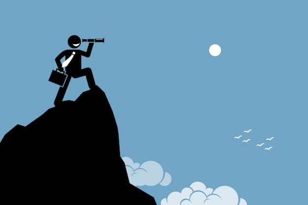 Empresário procurando com a luneta do telescópio. conceito de ambição, visão, futuro e descoberta.