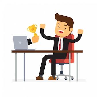 Empresário recebeu prêmio no concurso on-line do monitor