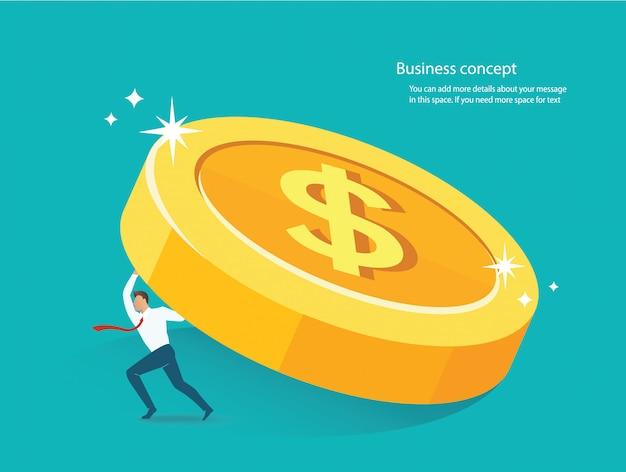 Empresário segurando a grande moeda de ouro