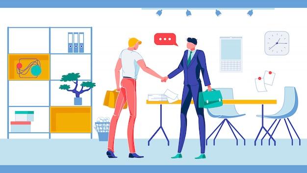 Empresário shaking hands no escritório mobiliado.