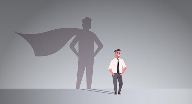 Empresário sonhando em ser super herói