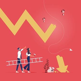 Empresários com escada se preparam para consertar a seta que cai como metáfora da crise empresarial