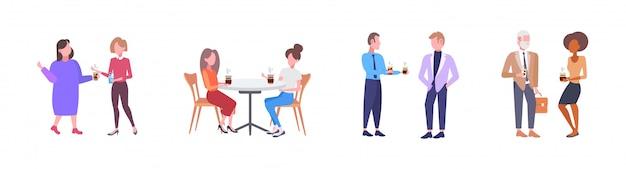 Empresários discutindo durante reunião misturar raça homens mulheres tendo café conceito de comunicação comprimento total fundo branco ilustração horizontal