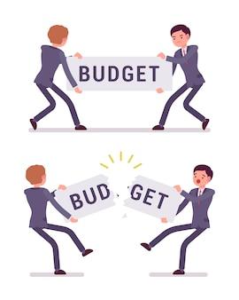 Empresários estão puxando e rasgando um orçamento de palavras