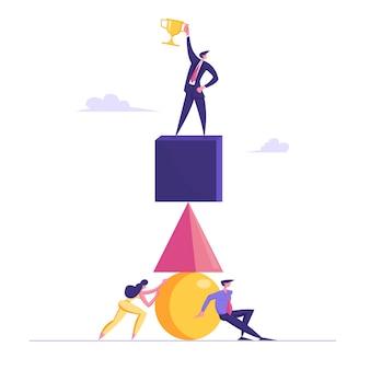 Empresários que constroem a pirâmide de enormes figuras geométricas. líder no topo