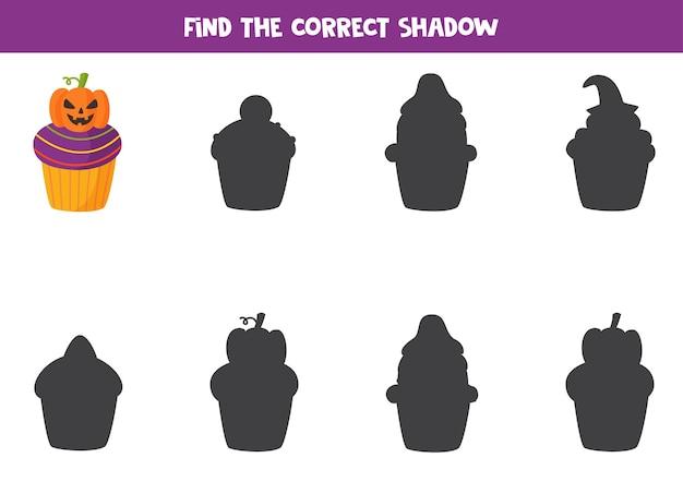 Encontre a sombra certa do queque de halloween. jogo educativo para crianças.