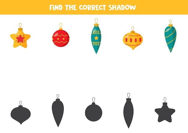 Encontre a sombra das bolas de natal