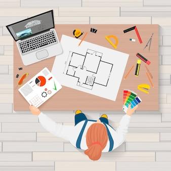 Engenheiro de construção de arquiteto, criando a vista superior do processo