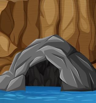 Entrada de caverna natural inundada