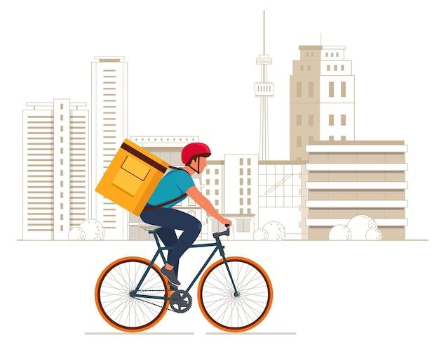 Entregador com caixa de caixa amarela de comida isotérmica andando de bicicleta na cidade. ilustração vetorial Vetor Premium