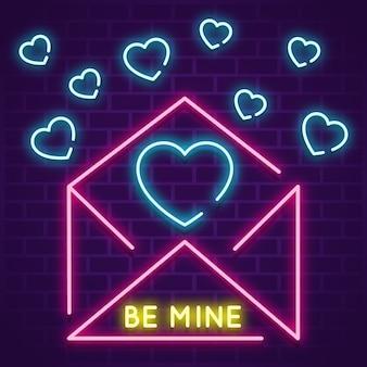 Envelope com pequeno conceito de corações