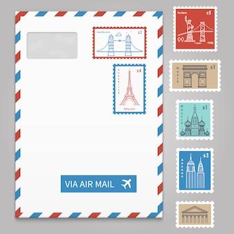 Envelope com selos postais com linha viajando cidade