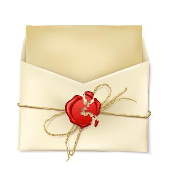 Envelope de papel aberto com letra