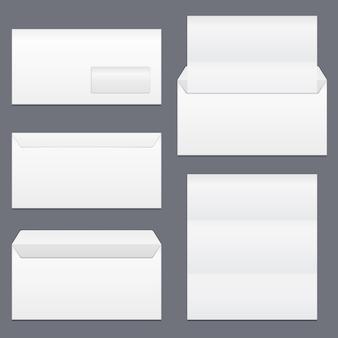 Envelopes e papel em branco