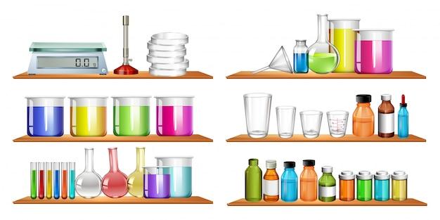 Equipamentos de ciência na prateleira