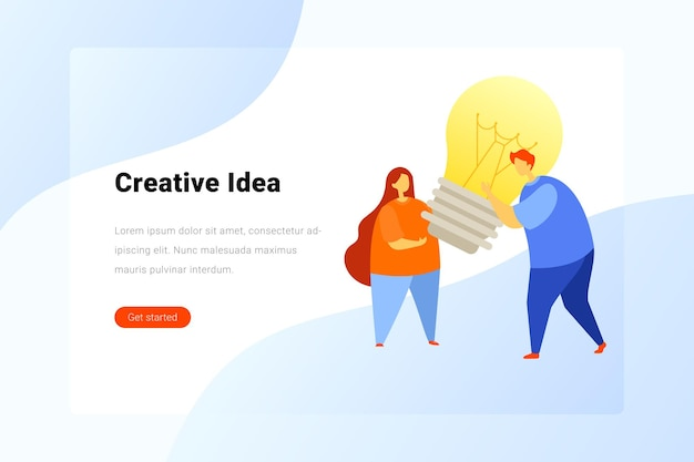 Equipe criativa ideia solução conceito de inovação homem e mulher segurando uma lâmpada nas mãos