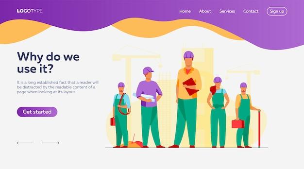 Equipe de construção trabalhando no modelo de página de destino do site