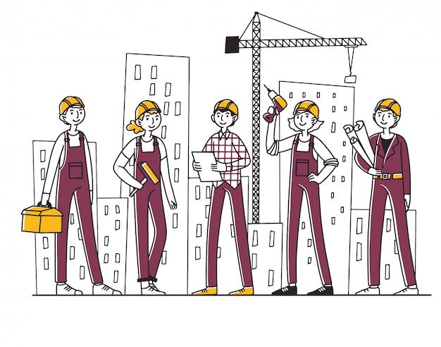 Equipe de construtores trabalhando no canteiro de obras