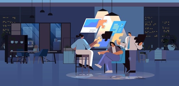 Equipe de empresários juntando as peças do quebra-cabeça problema solução trabalho em equipe conceito noite escura escritório interior horizontal comprimento total