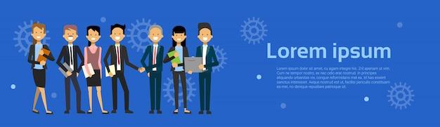 Equipe de empresários modernos homem de negócios e desenhos animados de mulher