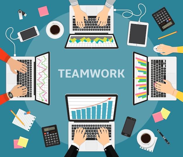 Equipe de empresários trabalhando