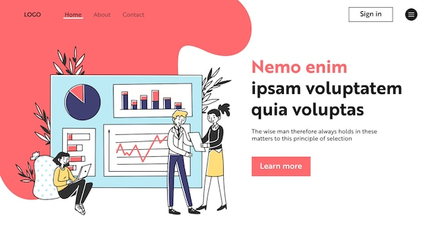 Equipe de marketing, analisando gráficos no quadro de apresentação