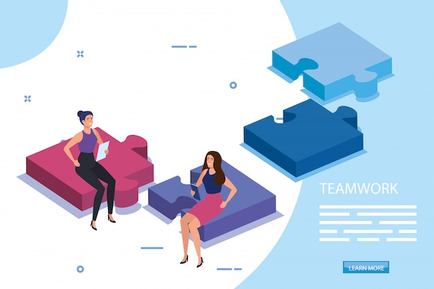 Equipe de trabalho feminino sentado em peças de quebra-cabeça