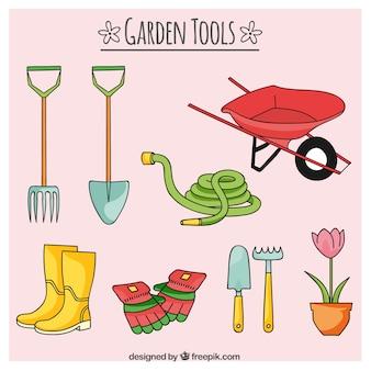 Esboços ferramentas e mangueiras de jardim