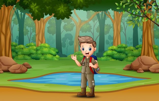 Escoteiro, caminhadas na madeira