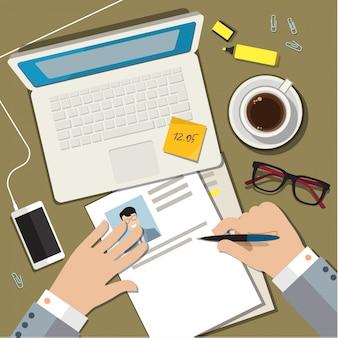 Escrevendo um conceito de currículo de cv de negócios.