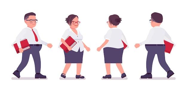 Escriturário gordo caminhando