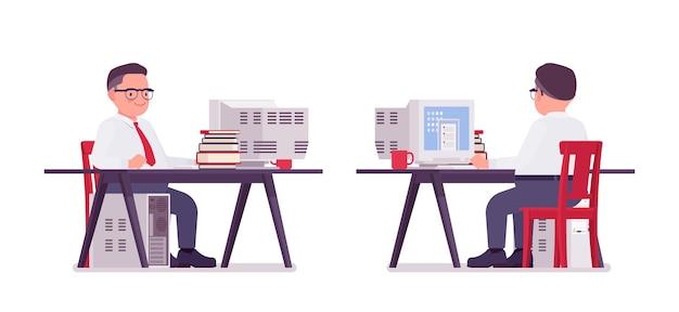 Escriturário gordo trabalhando na mesa do computador