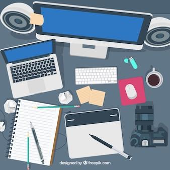 Espaço de trabalho com tecnologia