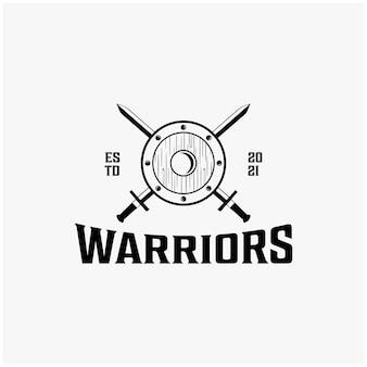 Espadas de guerreiros vintage e design de logotipo de escudo