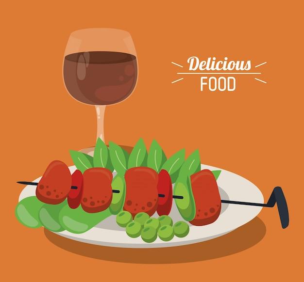 Espeto de comida deliciosa com prato de vegetais de carne