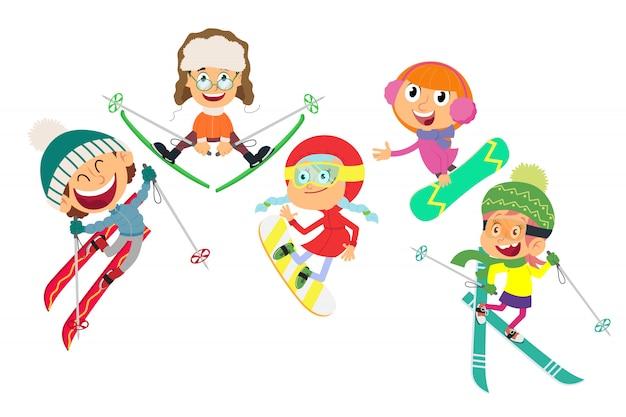 Esquiadores pequenos em um fundo branco.