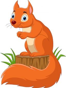 Esquilo engraçado dos desenhos animados no tronco de árvore