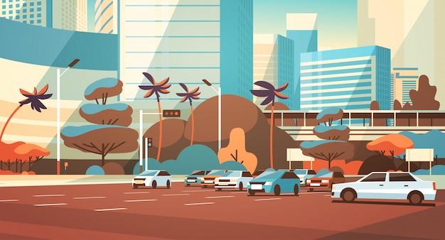 Estacionamento da cidade sobre a paisagem urbana moderna de edifícios arranha-céu