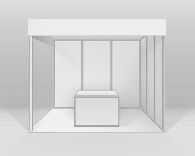 Estande padrão de estande de exposição de comércio interno em branco branco para apresentação com balcão isolado no fundo