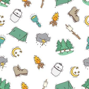 Estilo colorido doodle de ícones de acampamento de verão no padrão sem emenda