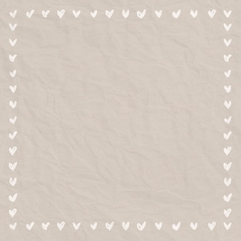Estilo de doodle de moldura de coração em fundo de papel amassado